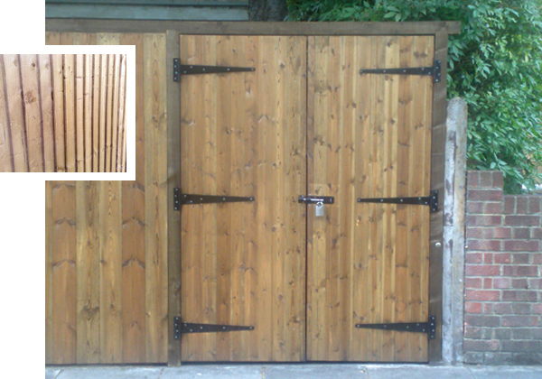 Fencing sheds driveway gates london for Double wooden driveway gates